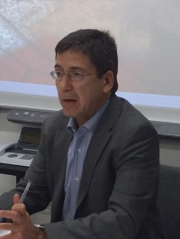 González Torres