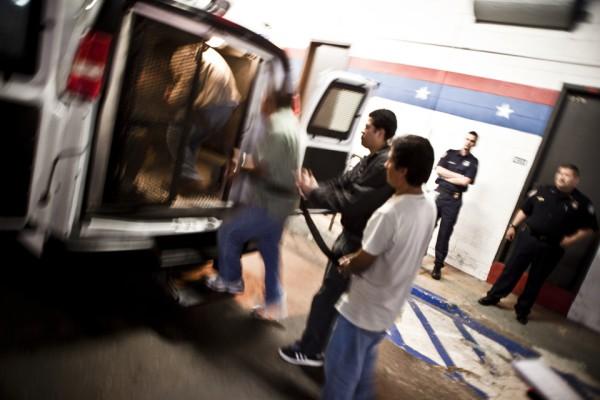 4. Migrantes indocumentados serán transportados hacia la frontera.